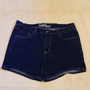 Old Navy Sweetheart Denim Shorts in Size 12